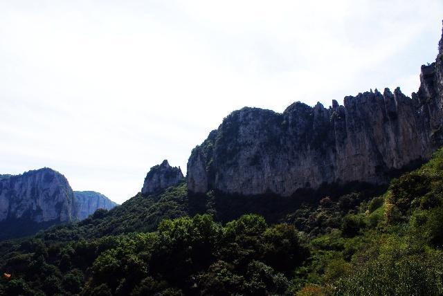 位于太行东丽的七步沟风景区,是国家森林公园 ,国家地质公园,佛教