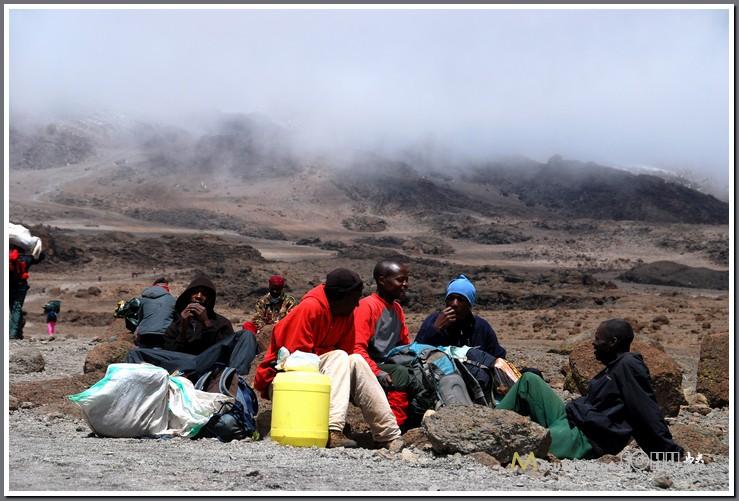非洲人的黑大炮图片_非洲人的照片_非洲人的大黑吊图片_非洲人的黑大炮图片_鹊桥吧