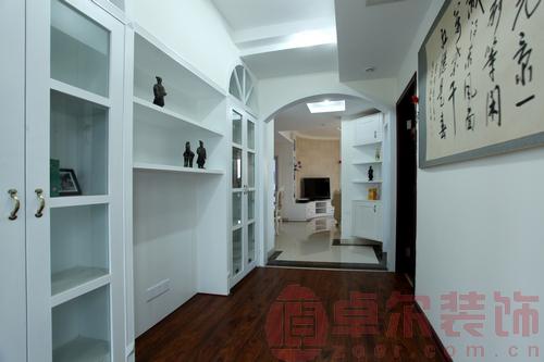 简欧风格书房装修实景图-金色屋顶145平米奢华简欧4房2厅图片