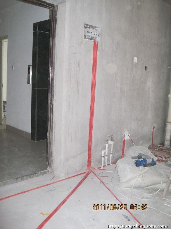 天力和某装修队水电施工工艺大比拼,将要装修的业主看了一定会受益高清图片
