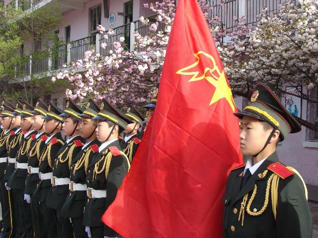 红岭湾小学国旗仪仗队风采