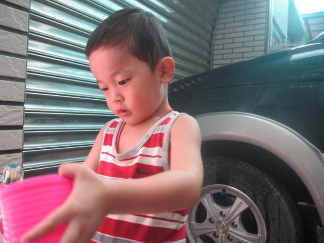 三岁小伙郭果果