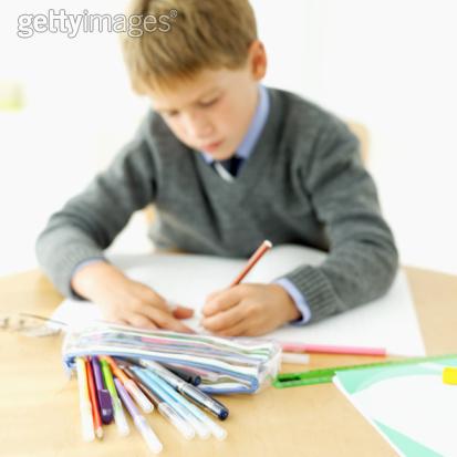 怎样让一年级的孩子快速安静下来?