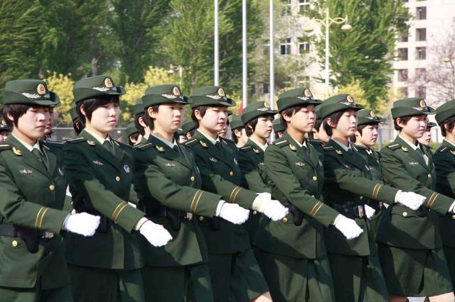 警花方阵威武雄壮-忠诚 中国人民解放军武警学院建院30周年阅兵式