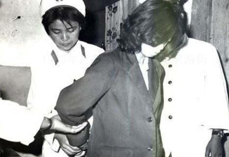 1983年:严打期间,类似女犯人的烫发进去后肯定都要被剪掉-1983年图片