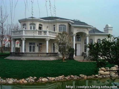包括2层欧式小别墅,豪华的古希腊风格室内泳池