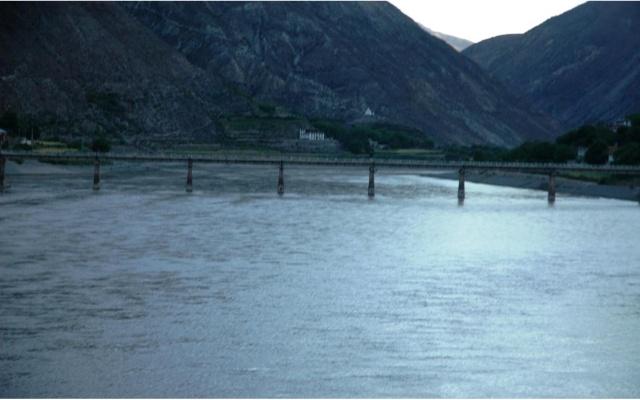 川藏线(318国道)与青藏线(109国道)风景之比较