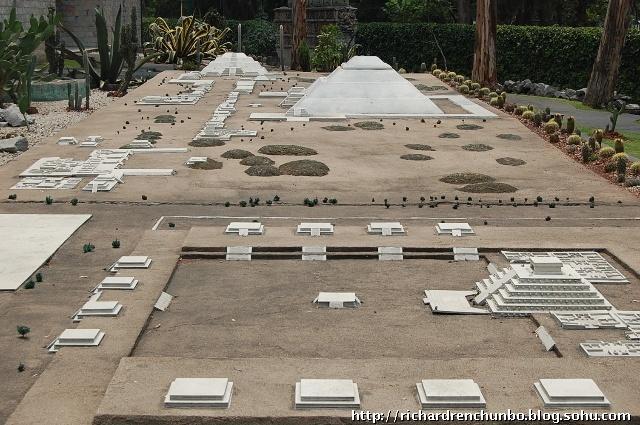 金字塔都用沙石泥土垒砌而成